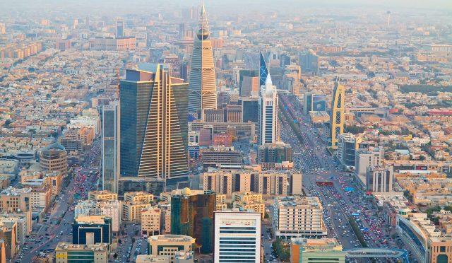 साउदीमा ३८ नेपाली अलपत्र, कोठाका सामानसमेत सडकमा निकालियो