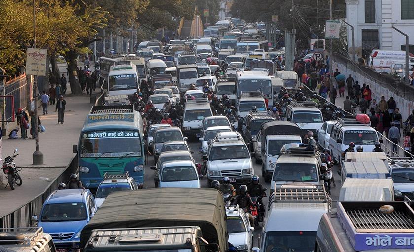 सार्वजनिक यातायात मङ्सिरभित्र पञ्जीकरण गरिसक्नुपर्ने, नगरे इजाजतपत्र नवीकरण नहुने