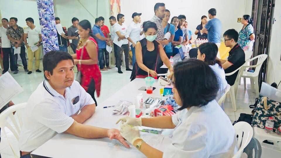 थाईल्याण्डमा नेपालीहरुको ऐतिहासिक रक्तदान, ५ सय बढीको सहभागिता