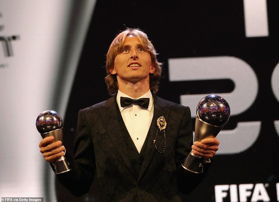 लुका मोड्रिच घोषित भए 'फिफा उत्कृष्ट फुटबल प्लेयर अफ दि इयर'