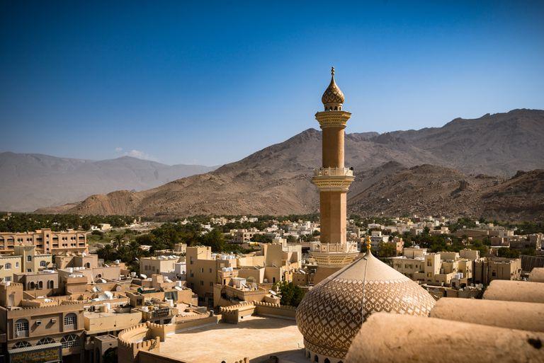ओमानबाट आफ्नै खर्चमा फर्कन नसकेका नेपाली श्रमिकलाई सरकारी खर्चमा ल्याइँदै