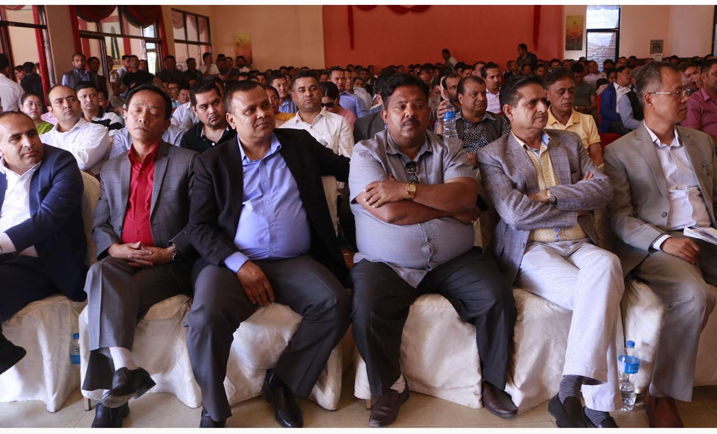 सरकारले माग सम्वोधन नगरे जेठ १७ बाट विदेश कामदार नपठाउने व्यवसायीहरुको चेतावनी