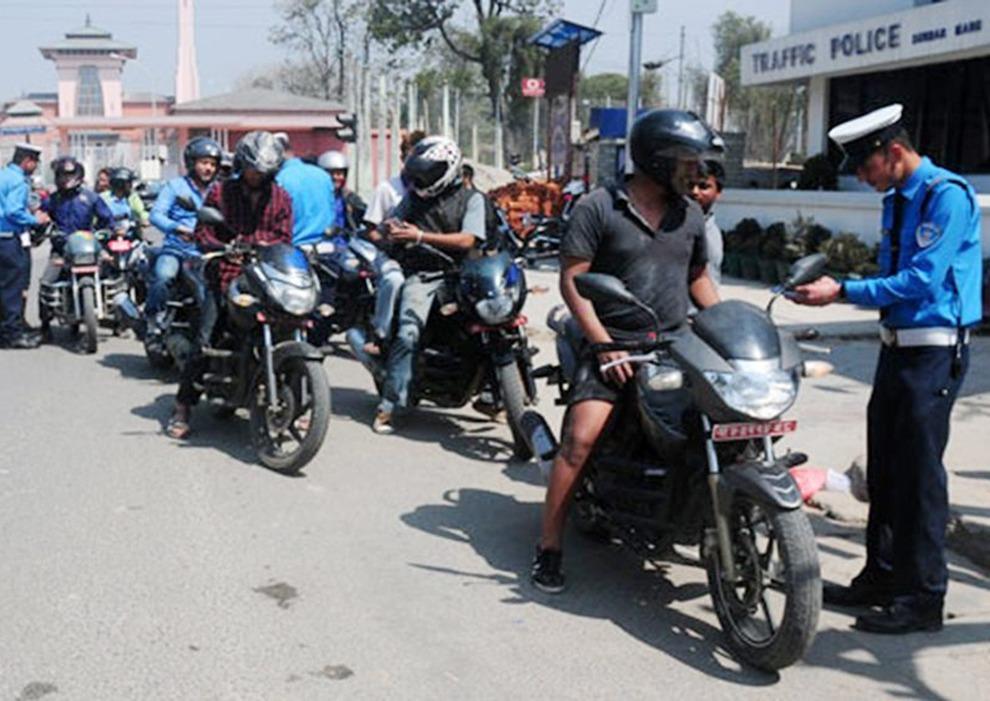 काठमाडौं उपत्यकामा हर्न निषेधमा कडाइ, एक दिनमै ४१३ जनालाई कारवाही