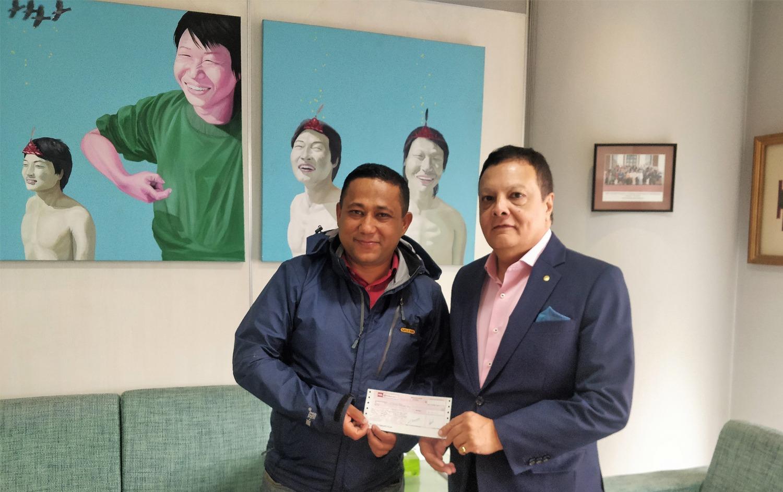 गुणस्तरीय शिक्षाका लागि हिमालयन बैंकद्धारा टिच फर नेपाललाई ५ लाख सहयोग प्रदान