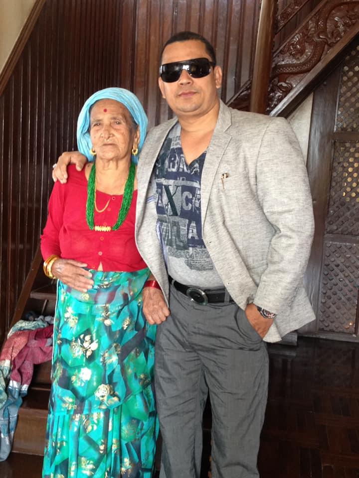 मलेसियाका सन्तोष कार्कीलाई मातृ शोक