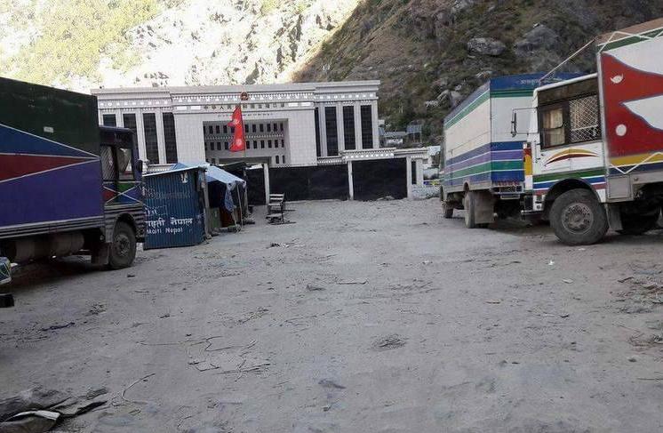 रसुबागढी नाका आंशिक खुला, दैनिक पाँच कन्टेनर सामान सीमासम्म ल्याइदिने सहमति