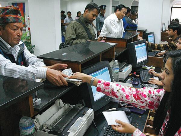 बाणिज्य बैंकहरुमा बढ्यो कर्जा र निक्षेपको रेसियो, दशैँमा बैंक बन्द हुने