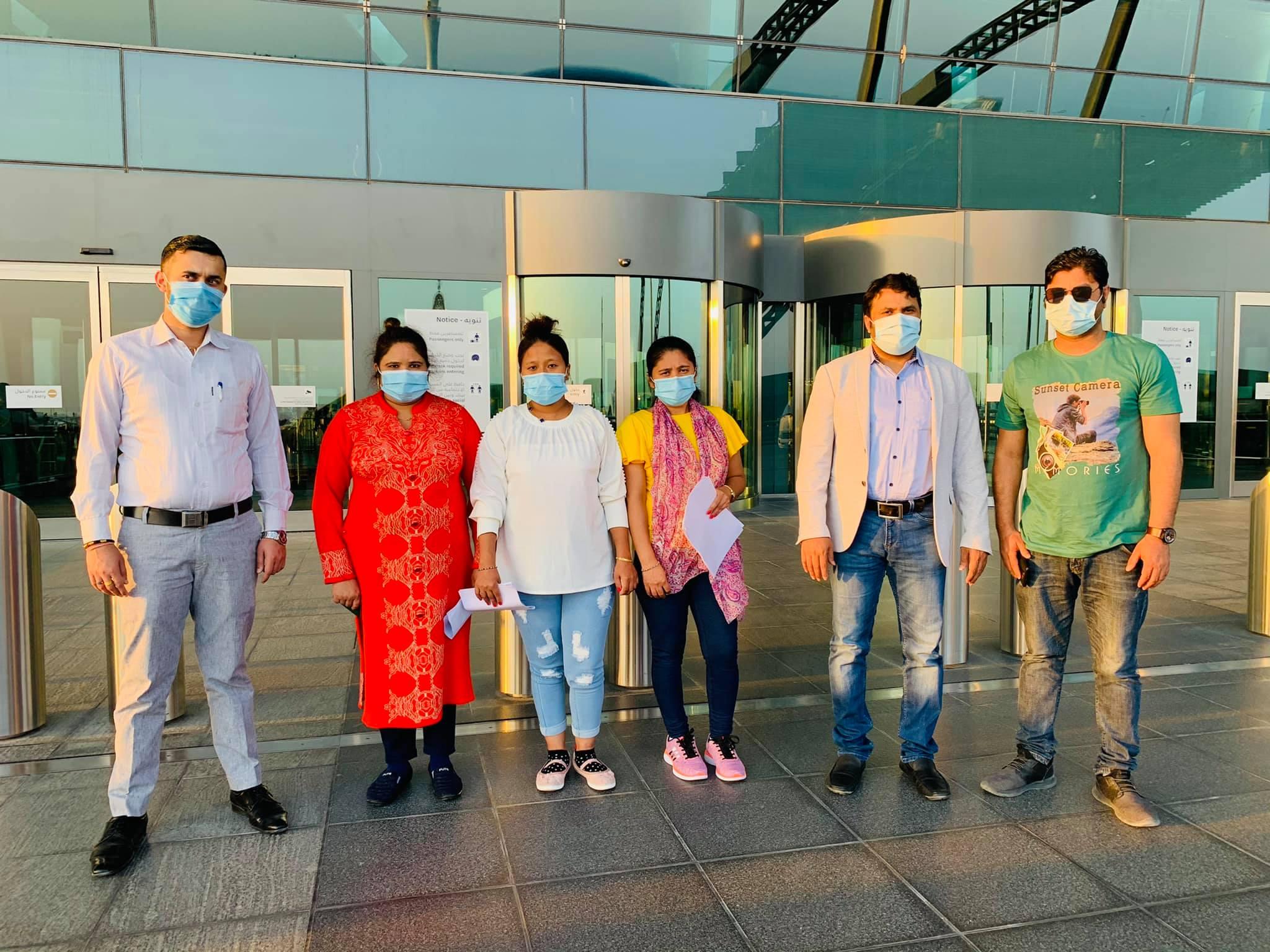 एनआरएनए कतारद्वारा अहिलेसम्म ४४ जना नेपाली श्रमिकलाई हवाई टिकट सहयोग