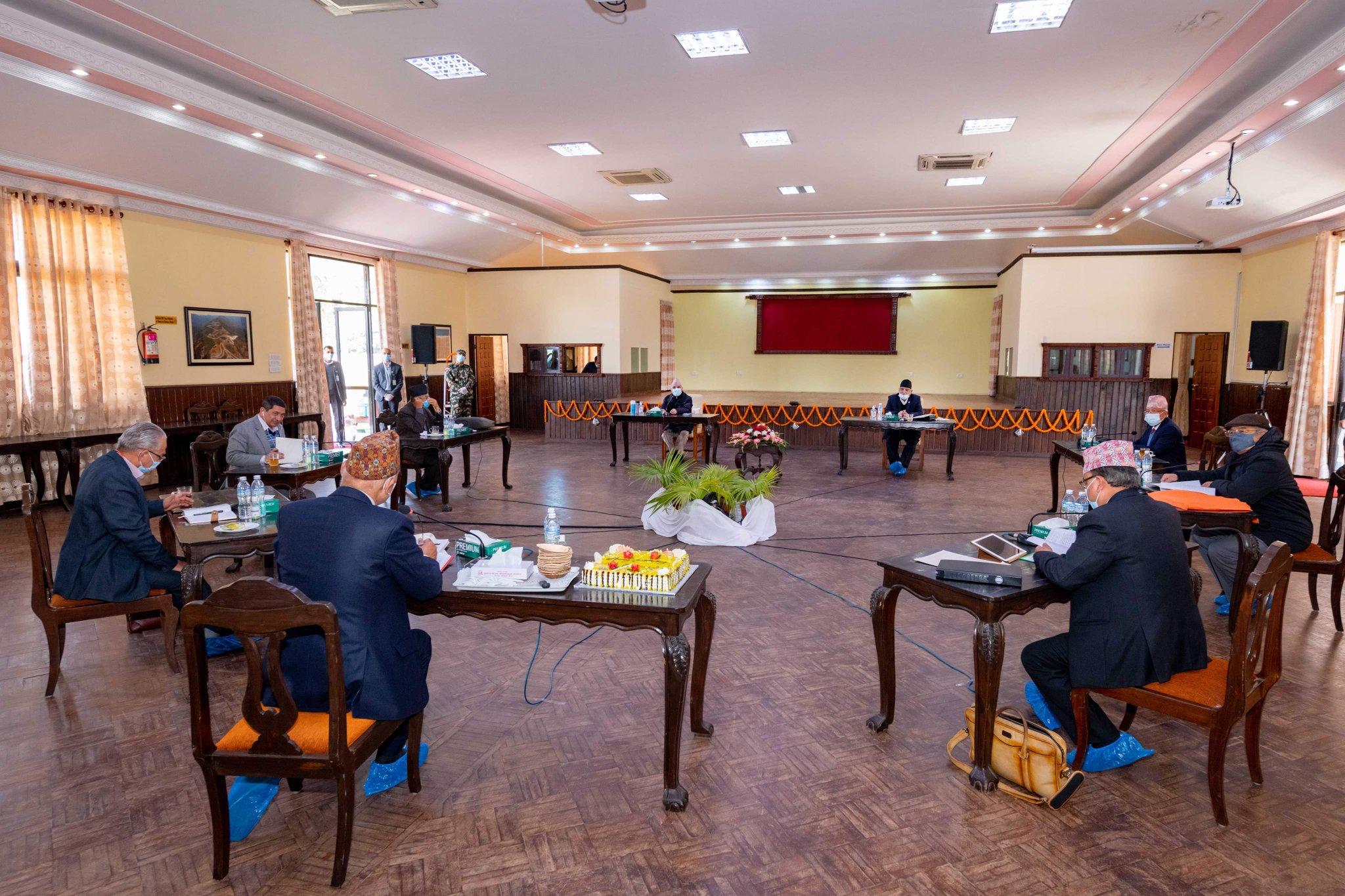 नेकपाका दुवै अध्यक्षका प्रस्तावमाथि छलफल सुरु : बैठक बुधबार पुनः बस्ने