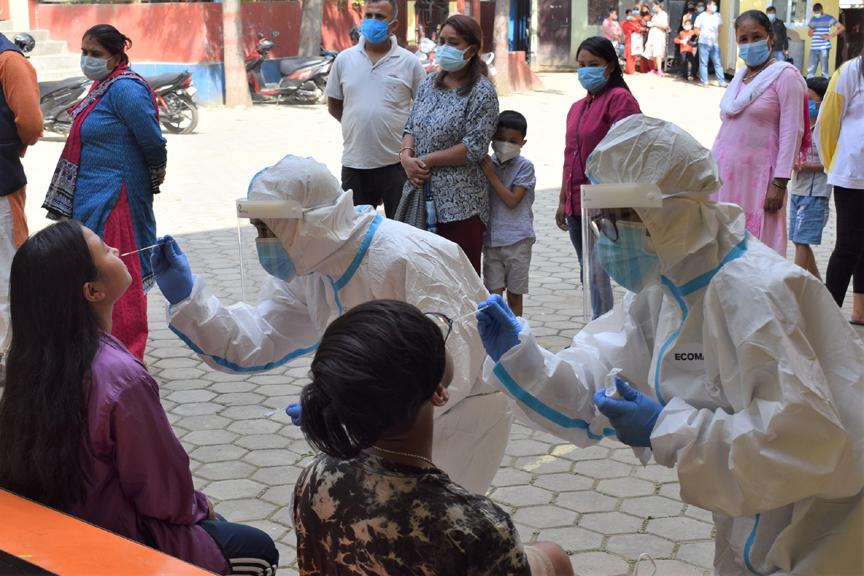 काठमाडौं उपत्यकामा ४१०६ सहित देशभर एकैदिन थपिए ९१९६ कोरोना संक्रमित, ५० जनाको मृत्यु पुष्टि