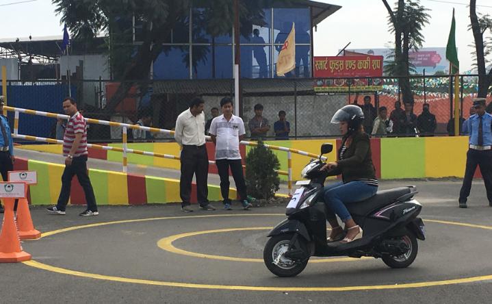 परीक्षा उत्तीर्ण भएको महिना दिनमा चालक अनुमतिपत्र पाइने