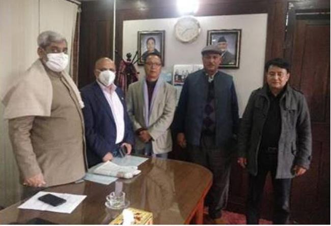 कोभिड–१९ खोप नेपाल ल्याउन एनआरएनए अध्यक्ष पन्त र स्वास्थ्यमन्त्री त्रिपाठीबीच सहकार्यका लागि छलफल