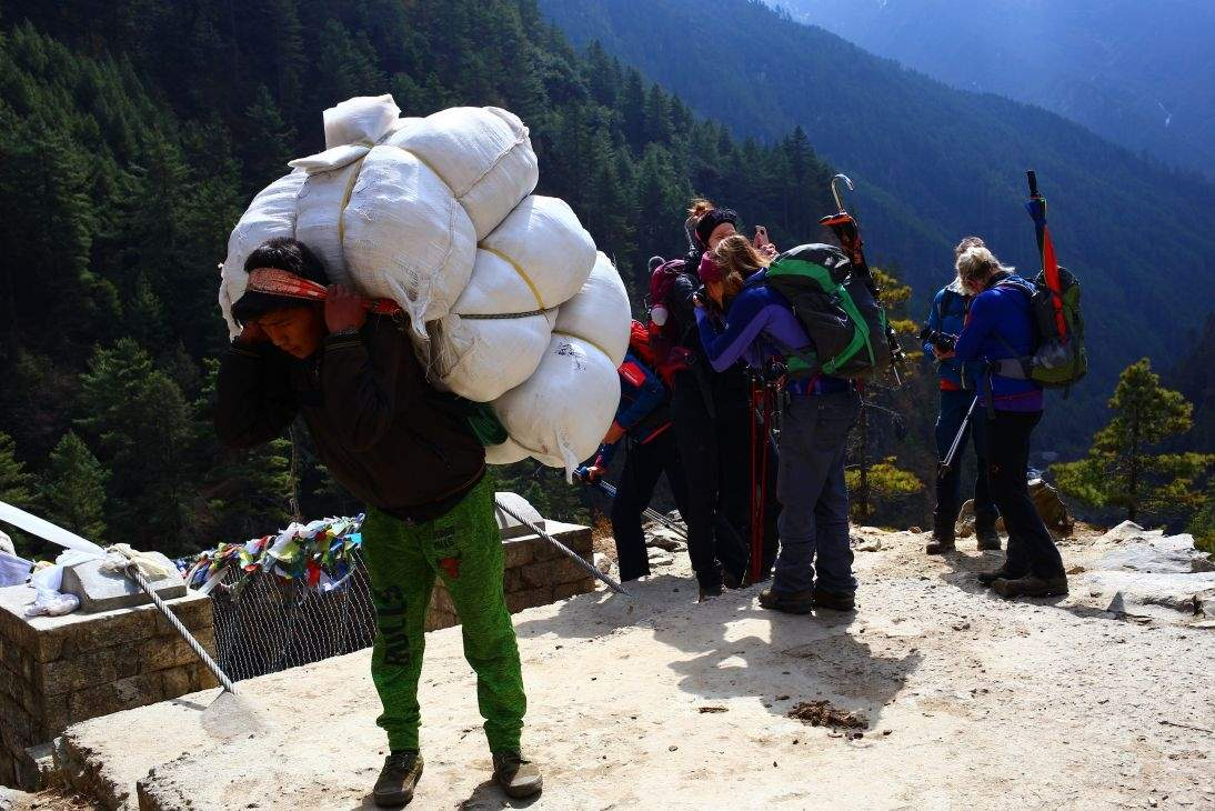 पर्यटन श्रमिकको ज्याला तथा पारिश्रमिक ४० प्रतिशतले वृद्धि गर्न माग
