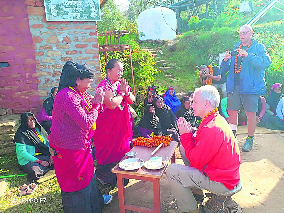 थलिएको पर्यटन उठाउन पर्यटकीय गाउँमा 'हाइकिङ'