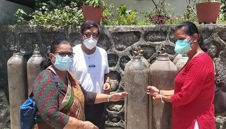 एनआरएनए अफ्रिकाबाट रत्ननगर अस्पताललाई दोश्रो पटक अक्सिजन सिलिन्डर सहयोग हस्तान्तरण
