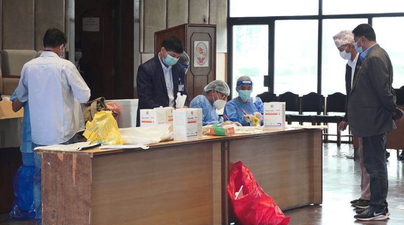 संसद सचिवालयमा गरिएको परीक्षणमा१४ सांसदसहित ६५ जनामा कोरोना संक्रमण