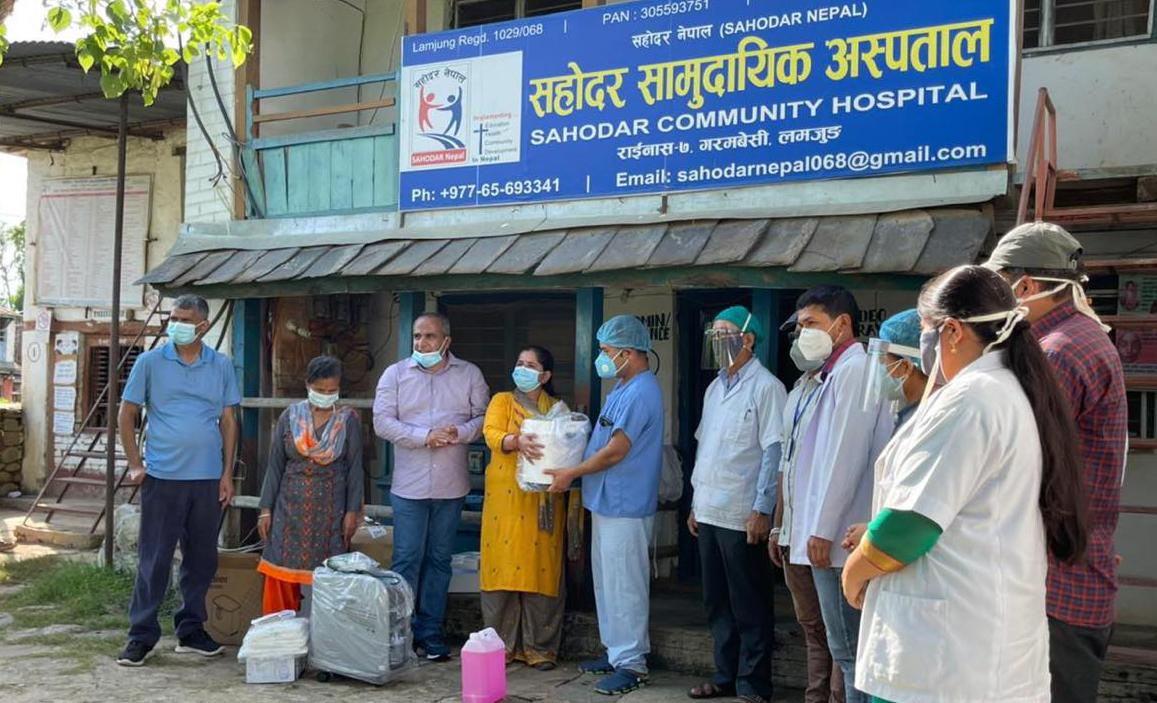 भिजन एण्ड भ्यालु ओभरसिजद्वारा लमजुङको सहोदर अस्पताललाई स्वास्थ्य सामग्री सहयोग